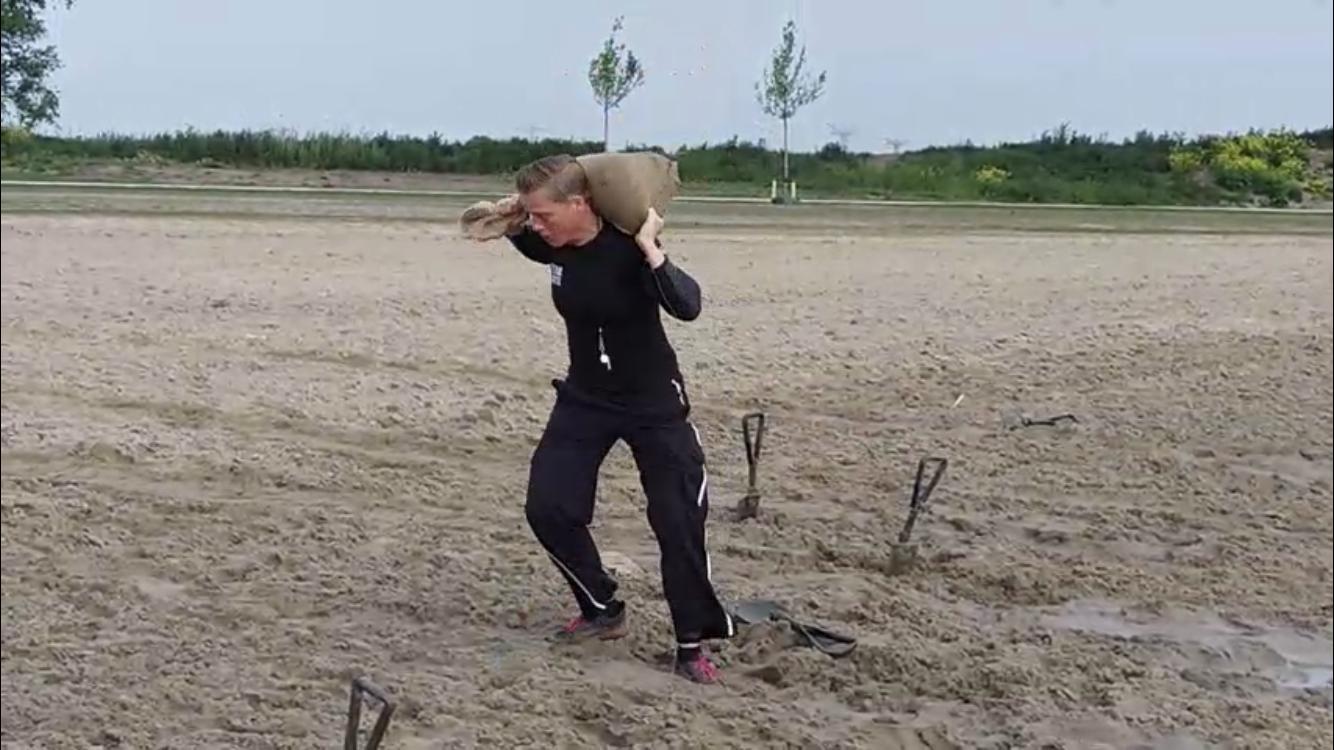 Lege jute zandzakken / vaderlandertjes gebruik: Lege jute zandzakken / vaderlandertjes